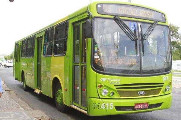 Motoristas de ônibus coletivos vão paralisar atividades em Teresina após onda de assaltos