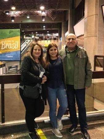 Família de Kaysar chegou no Brasil e ex-BBB comemora o quase encontro