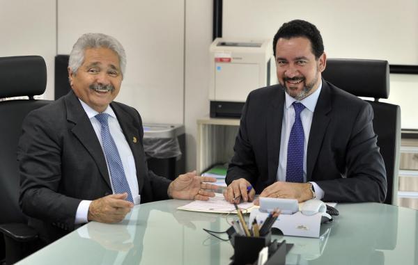 Senador Elmano Férrer assegura inclusão das obras da BR-316 no PAC