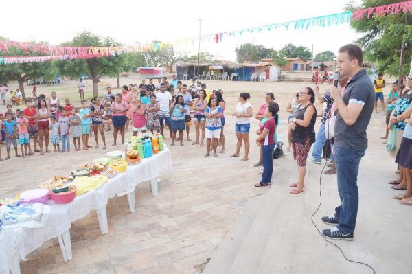 São Pedro do Piauí | Bairro Outro Lado abre suas festividades com grande café comunitário