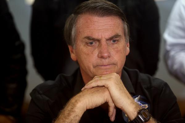 Previsão de alta de Bolsonaro é adiada após contaminação de cateter