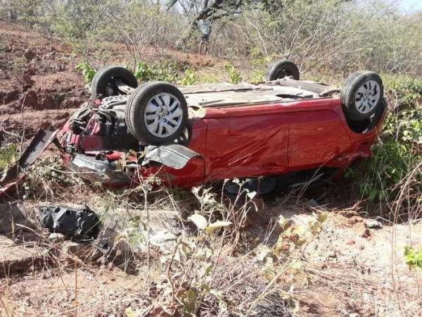 Veículo envolvido no acidente (Imagem:Fábio Medeiros/Folha de Oeiras)