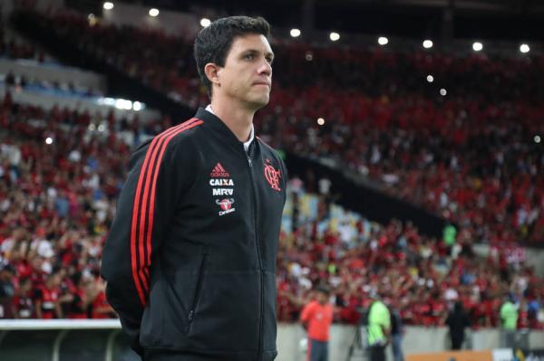Técnico Maurício Barbieri é demitido após eliminação do Flamengo
