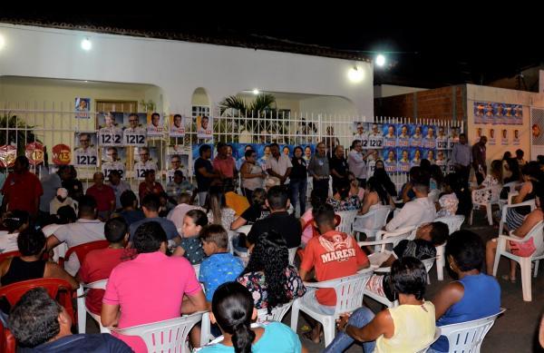 Deputados Flávio Nogueira e Wilson Brandão participam de reunião política em Barro Duro