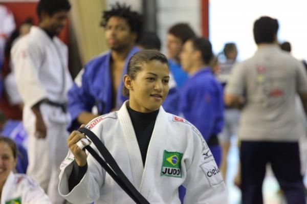 Sarah Menezes e Emerson Silva levam bronze no Brasileiro de Judô