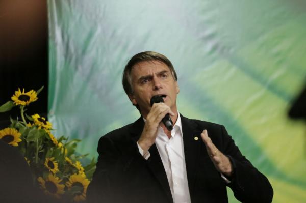 Bolsonaro admite não ir a debates com Haddad por 'estratégia'