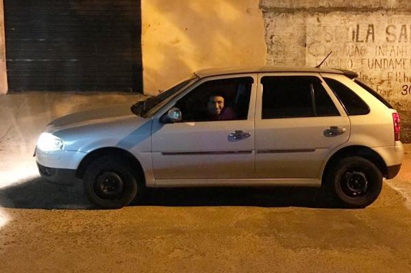 Foto do assaltante publicada em uma rede social (Imagem: Divulgação/Polícia Civil)