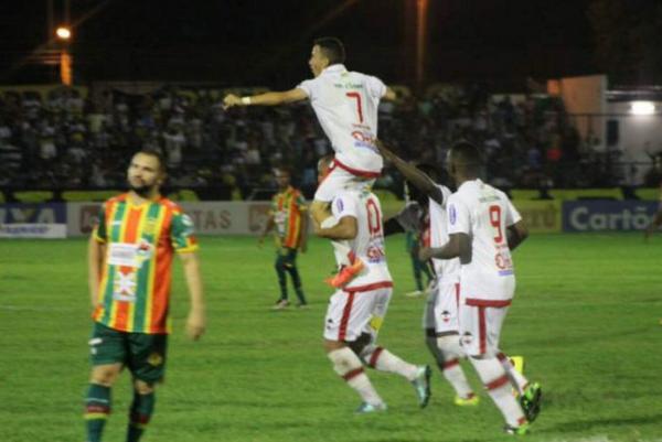 River ganha e fica a um empate da classificação na Copa do Nordeste; veja melhores momentos