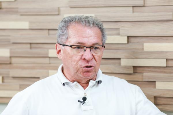 Assis Carvalho diz que não faz imposições sobre cargos no Governo
