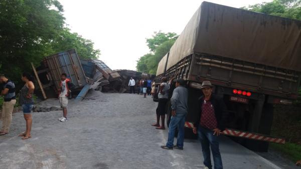 Rodovia no sul do Piauí é liberada após mais de 12h de interdição total