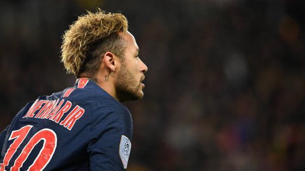 'Bando de idiota': Neymar critica notícia de bônus por aplauso