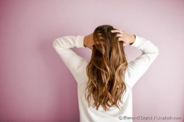 Dicas para acabar com a oleosidade no couro cabeludo