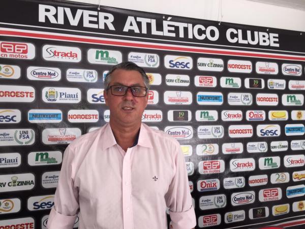 Gerente de futebol Luciano Mancha anuncia desligamento do River