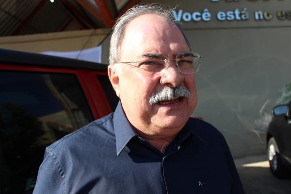 Osmar Júnior pode assumir secretaria de Governo de Wellington Dias