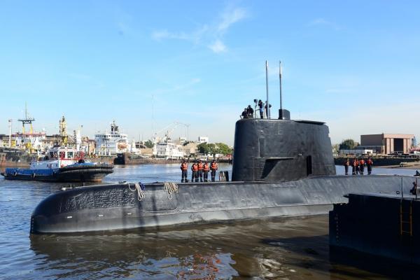Submarino argentino desaparecido há um ano com 44 tripulantes a bordo é encontrado