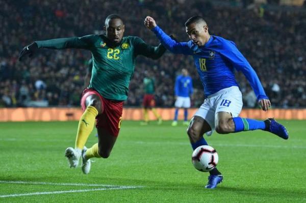Brasil vence Camarões por 1 a 0 no último amistoso do ano