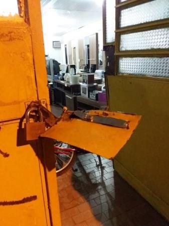 São Pedro do PI: bandidos arrombam loja Armazém São Pedro durante a madrugada