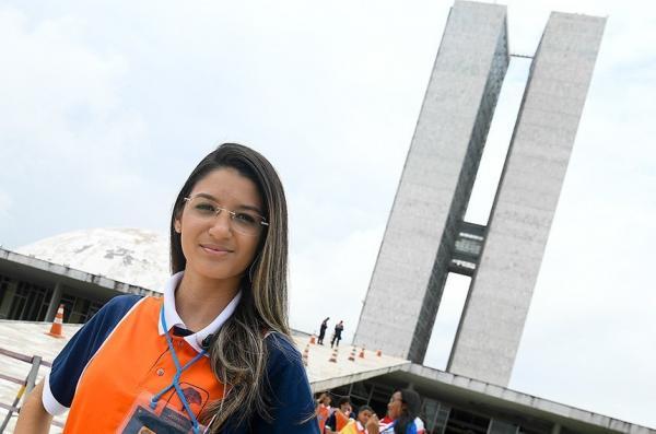 Escola do Piauí bate recorde em Brasília ao classificar seis alunos no Jovem Senador