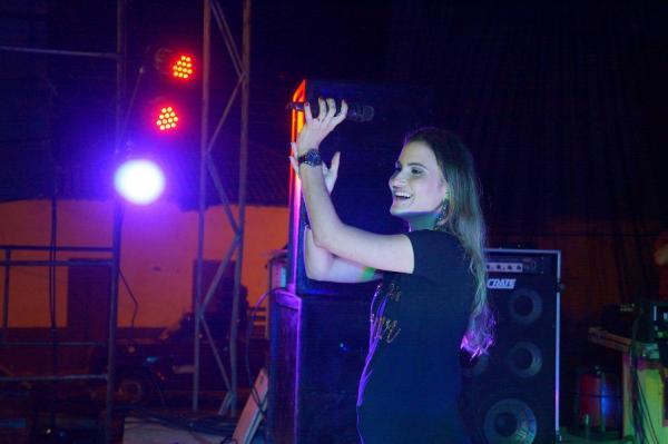 Show de Letícia Brandão e Luis Felipe marcaram a noite de sexta  em comemoração ao Dia do Evangélico