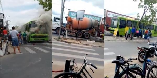 O ônibus trafegava pela avenida quando o incêndio começou (Imagem: Reprodução)