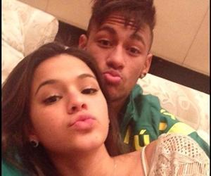 Neymar marca território após Chris Brown seguir Bruna Marquezine no Instagram
