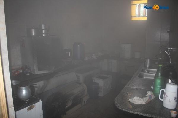 Vazamento de gás provoca incêndio em fórum de cidade no Piauí