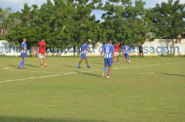 Imagem do jogo entre Juventus e Carralo Paraguaio (Foto: CANAL 121)