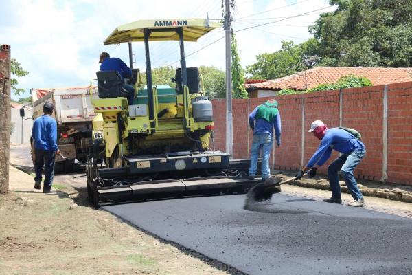 Prefeitura de Água Branca inicia obras de asfaltamento de ruas e avenidas do município