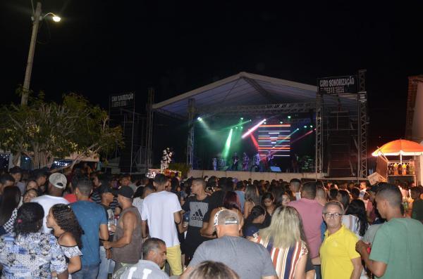23º aniversário de Olho D'água do Piauí é marcado com um grande show em praça pública; veja imagens