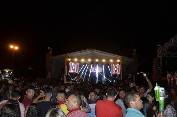 Show com Solteirões do Forró reúne multidão no aniversário de 23 anos de Lagoinha do Piauí; veja imagens
