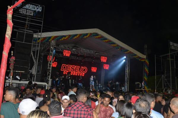 Show com Desejo de Menina atrai multidão na festa do aniversário de 23 anos de Curralinhos; veja imagens