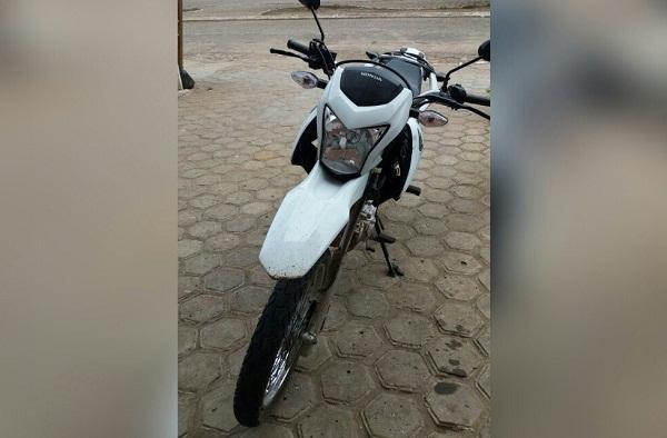 Motocicleta do Grupo Santos tomada de assalto é encontrada abandonada na zona rural de São Gonçalo do PI