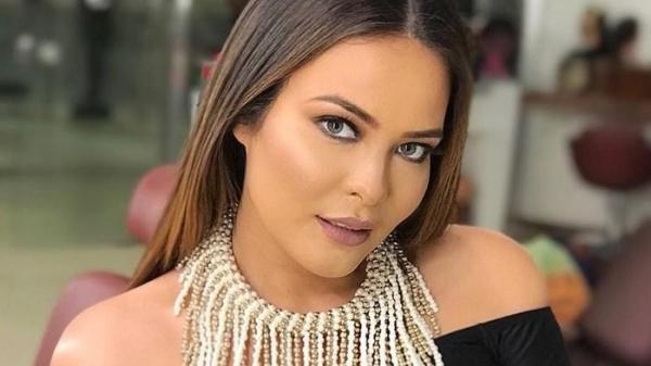 Geisy Arruda é 'vendida' em site de acompanhantes por R$ 200