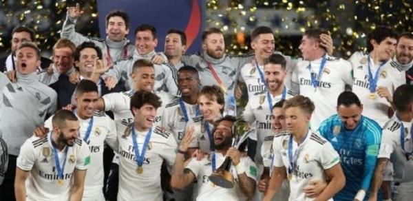 Real Madrid goleia e faz história como 1º tri mundial seguido