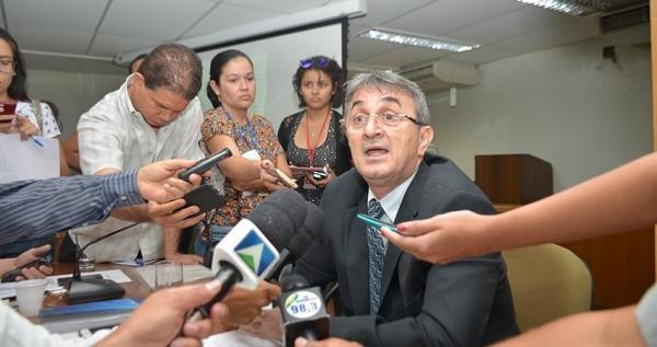 Juiz morre no HUT após ser encontrado pela esposa com tiro na cabeça