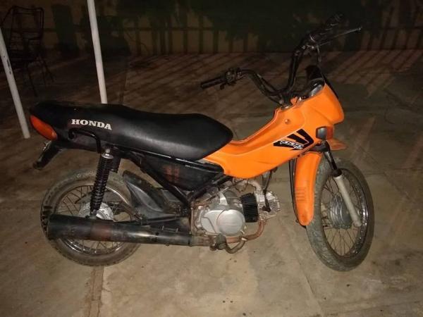 Força Tática prende jovem de 20 anos em Regeneração conduzindo moto furtada em Angical