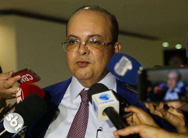 Ibaneis Rocha foi empossado na Câmara Legislativa (Valter Campanato/Agência Brasil)