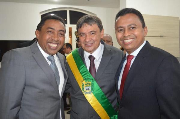 Joel Rodrigues participa da posse e recondução ao cargo, de Wellington Dias