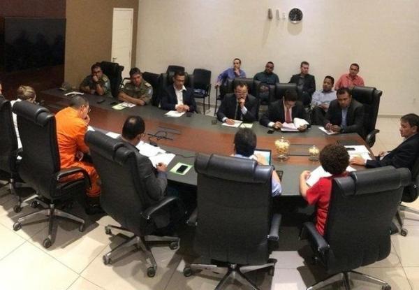 Wellington Dias determina envio de agentes penitenciários para ataques no CE