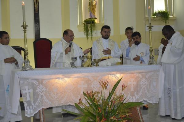 Grande programação religiosa marca o quinto dia do festejo de São Gonçalo em Regeneração; imagens