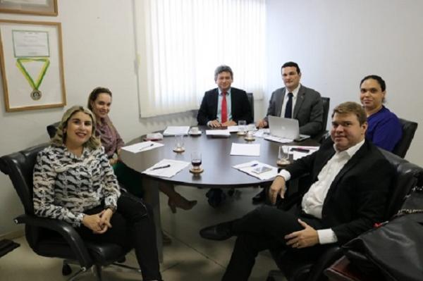 Celso Barros é empossado na OAB-PI