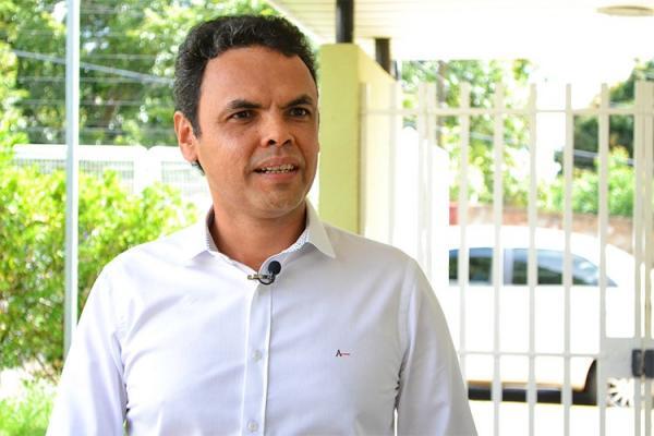Prefeito Gil Carlos (Imagem: Divulgação)