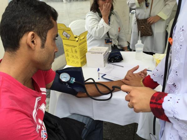 Atendimento médico. — Foto: Foto: Paulo Pinto/ Fotos Públicas