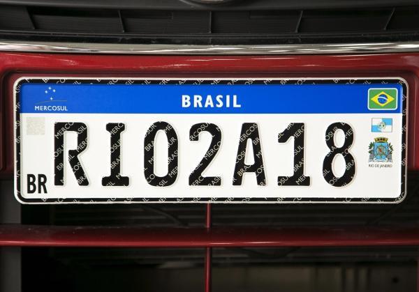 Carros do Piauí vão começar a ter placas do Mercosul neste trimestre