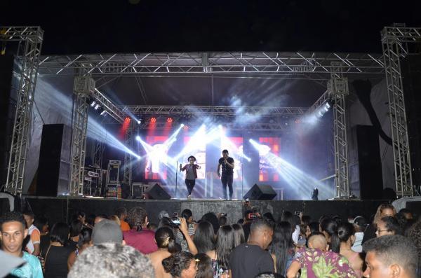 Show de encerramento do festejo da comunidade Chapada do Genésio (Imagem: Canal 121)