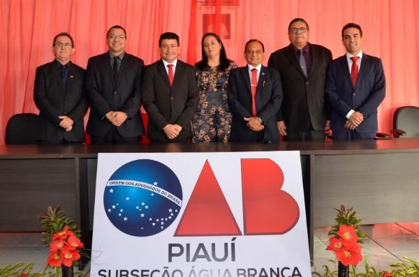 Vice-prefeito Nen Motos participa de solenidade de posse da nova diretoria da OAB subseção de Água Branca
