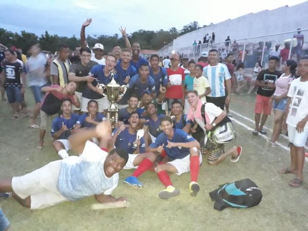 O time Carralo Paraguai é o mais novo campeão de futebol de Passagem Franca do Piauí