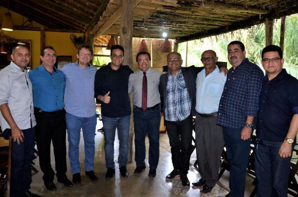 Jonas Moura participa da solenidade de posse da nova diretoria da AMPAR (Imagem: Valdomiro Gomes/CANAL 121)