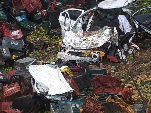 Duas pessoas morrem e três ficam feridas em grave acidente na BR 316 no povoado Estaca Zero, em Lagoinha do Piauí