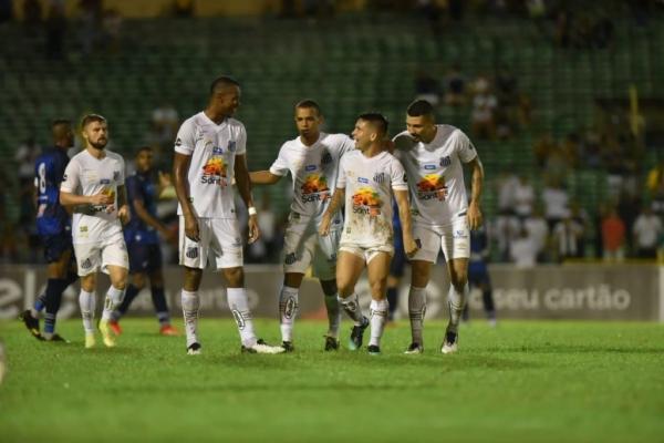 Santos toma susto, mas goleia Altos e avança na Copa do Brasil